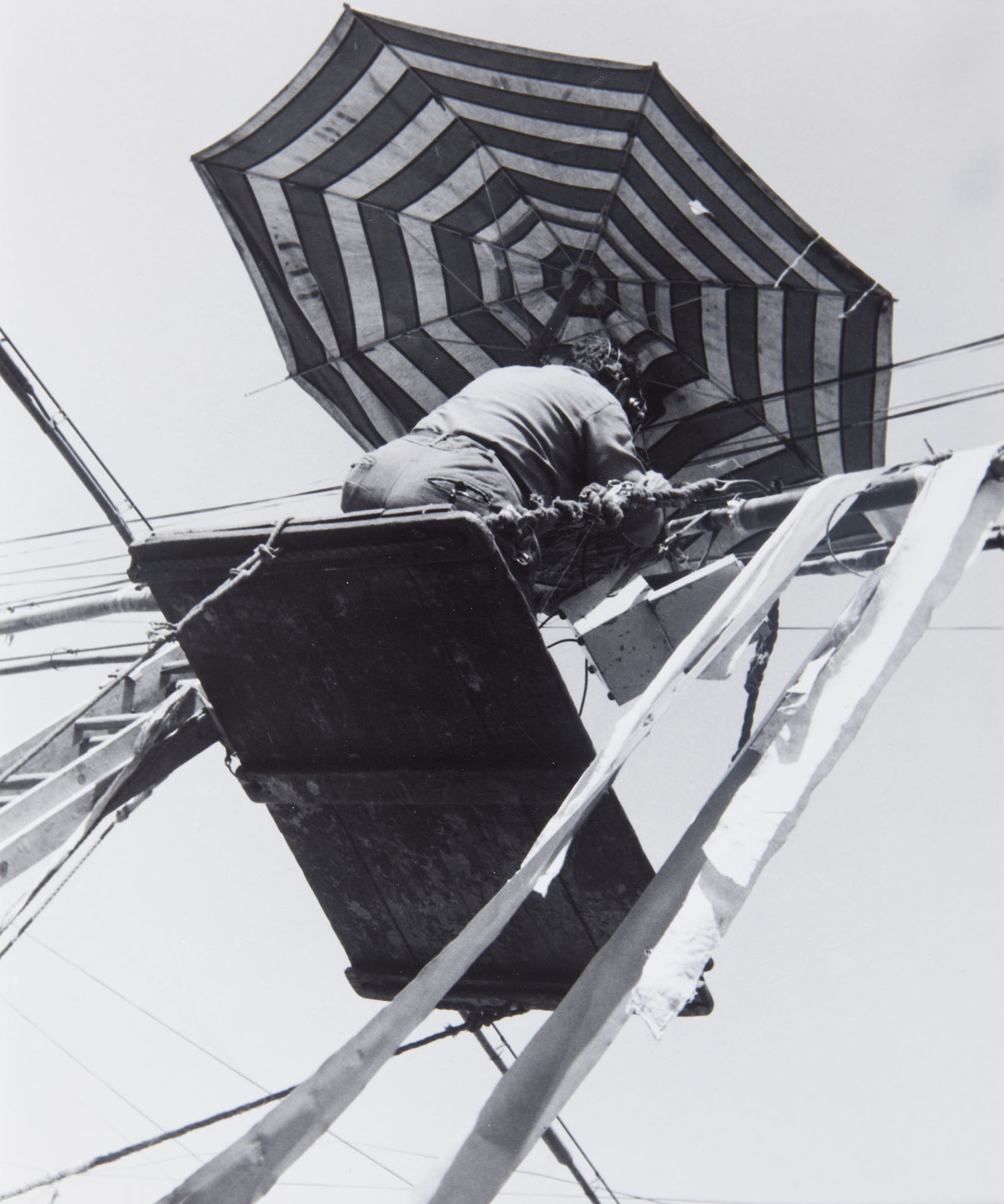 Lola Alvarez Bravo, Hombre y cables de telefono [Man and telephone wires], 1930. Silver gelatin print. Collection of DePaul Art Museum, Art Acquisition Endowment Fund, 2007.26.