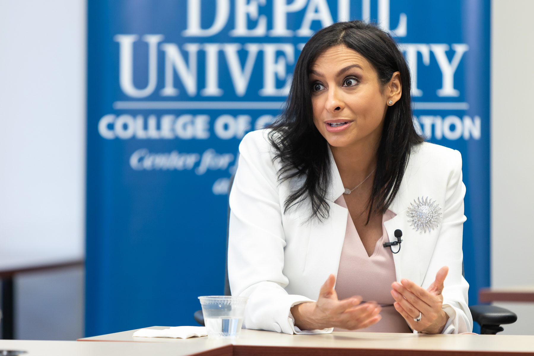 Lourdes Duarte, an investigative reporter and co-anchor for WGN News and a DePaul alumna, shares her professional experience with College of Communication journalism students. (DePaul University/Jeff Carrion)