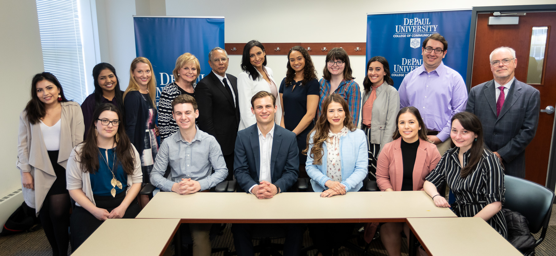 The distinguished journalists along with College of Communications journalism students. (DePaul University/Jeff Carrion)