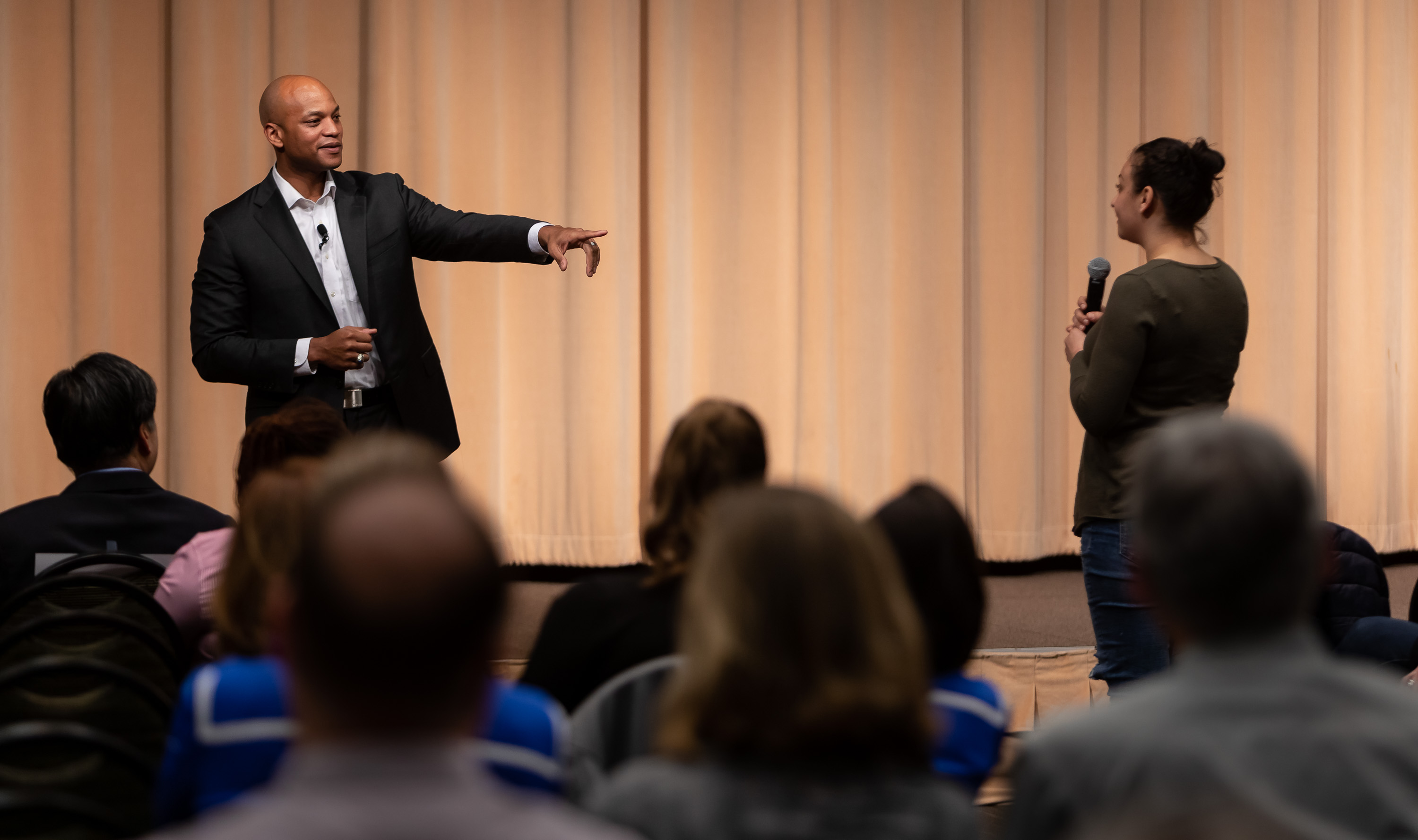 Wes Moore takes questions from the audience at the end of his presentation. (DePaul University/Jeff Carrion)