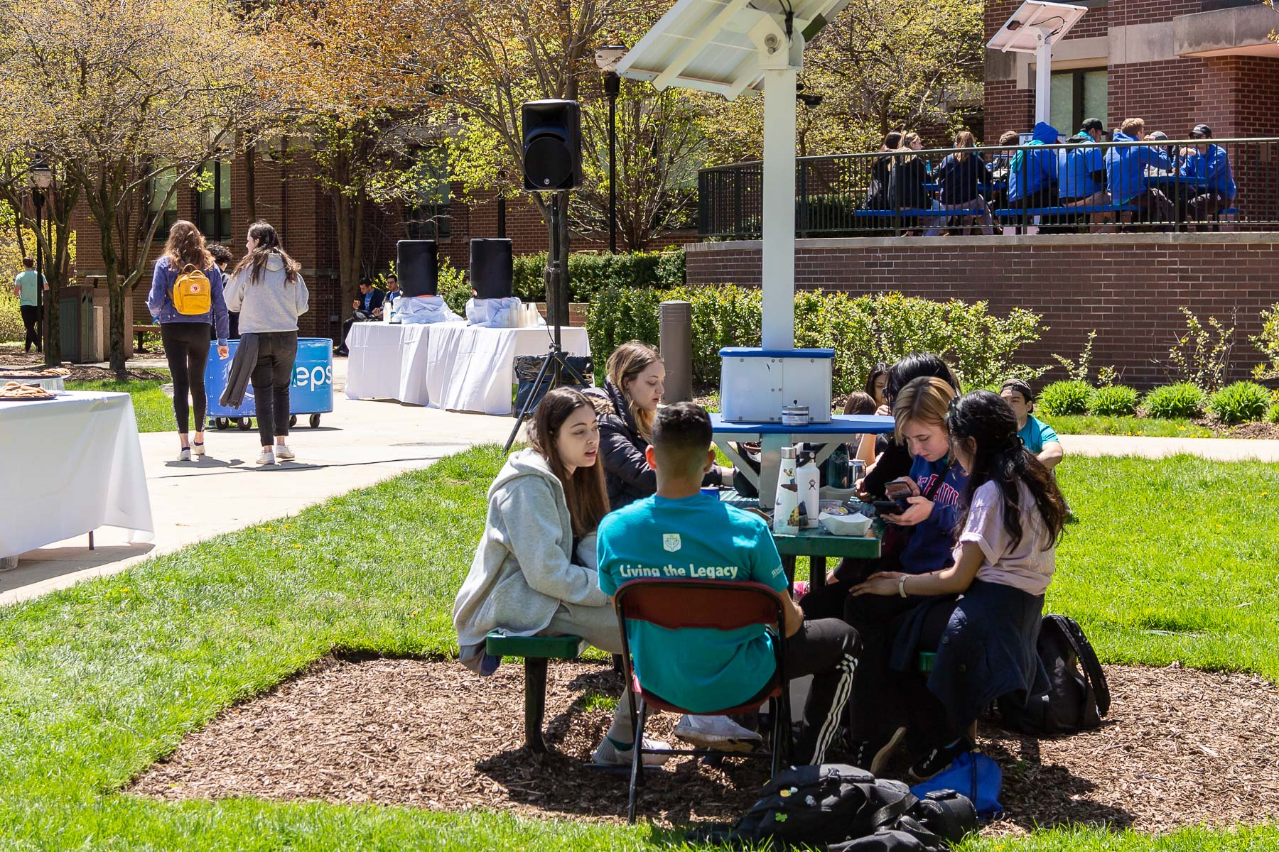 After the day of service concluded, participants gathered on the Lincoln Park Campus Quad for a BBQ lunch. (DePaul University/Katie Donovan)