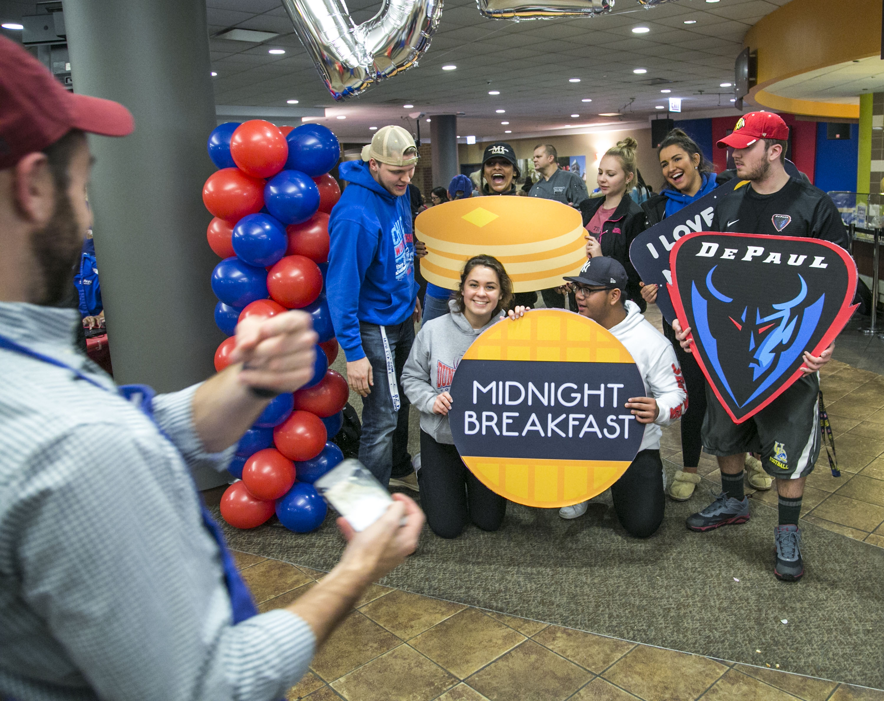 2017 midnight breakfast
