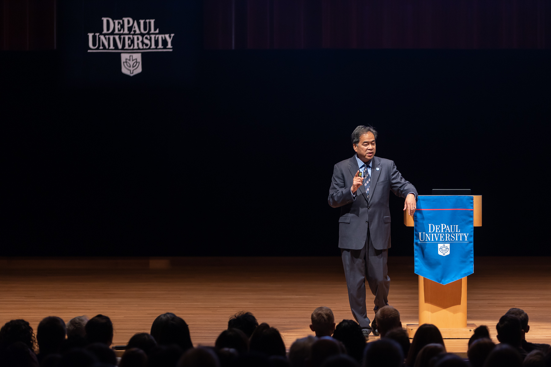 A.Gabriel Esteban, Ph.D., president of DePaul University, presents the State of the University address to faculty and staff members, October 4. (DePaul University/Jeff Carrion)​
