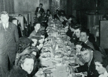 The Edgar Allan Poe Literary Club at its annual banquet in 1943. (DePaul University/Special Collections and Archives)