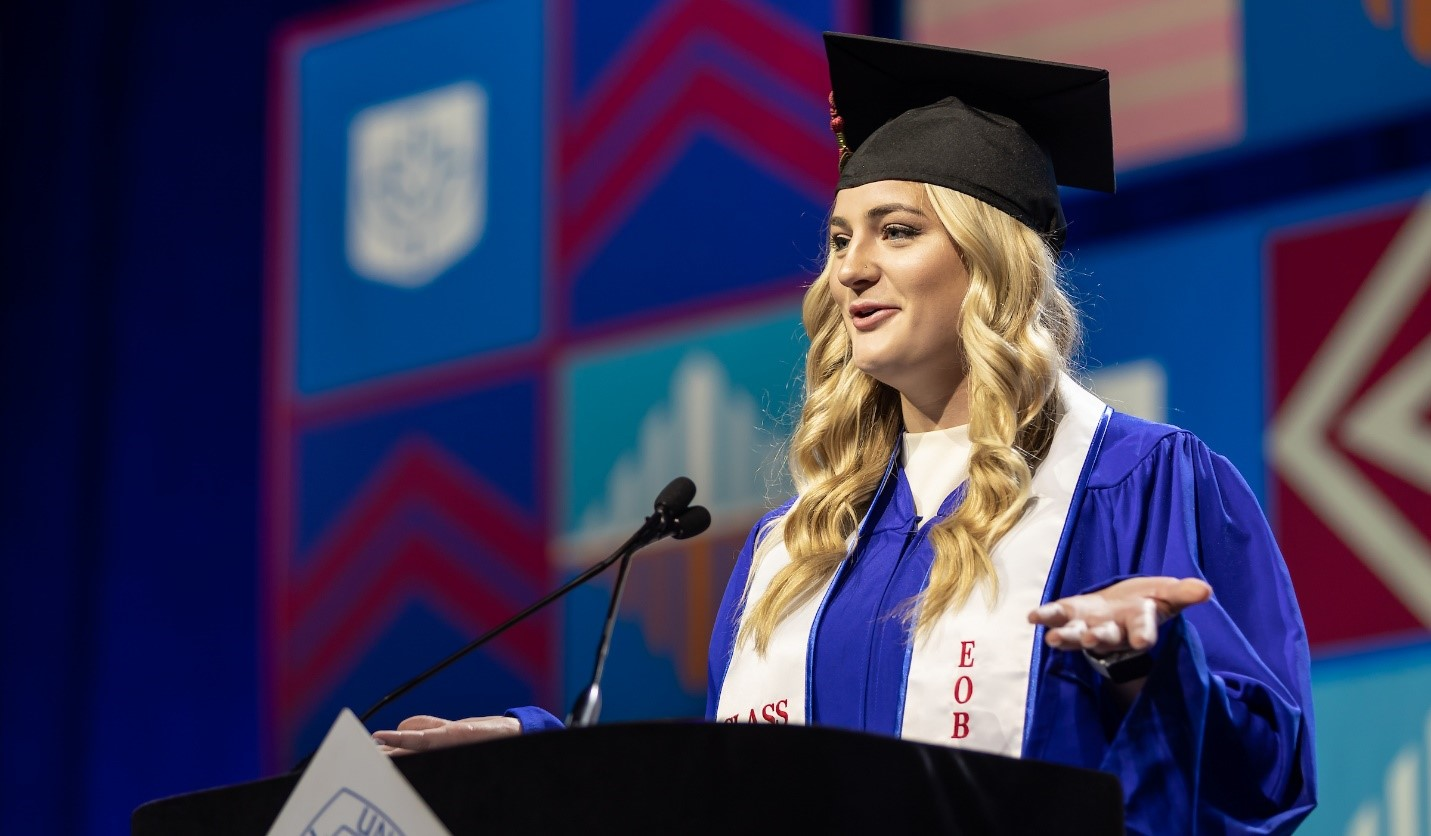 Anna M. Pierce, Class of 2019, delivers the student address at the DePaul University commencement ceremony for the College of Education and the College of Communication. (DePaul University/Jeff Carrion)