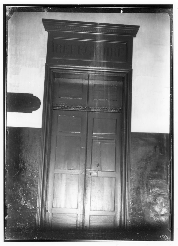 Photo 19 of 66 Prison Saint-Lazare, interior view, refectory door