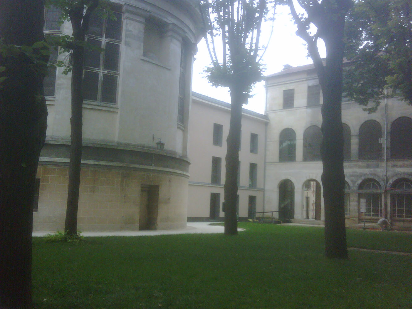 Prison Saint-Lazare, rear of chapel, infirmary wing, courtyard